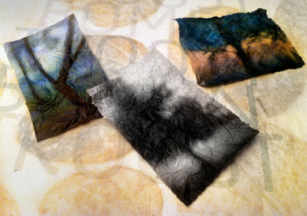 Inlays: inkjet silk handmade paper prints on 17 grams.